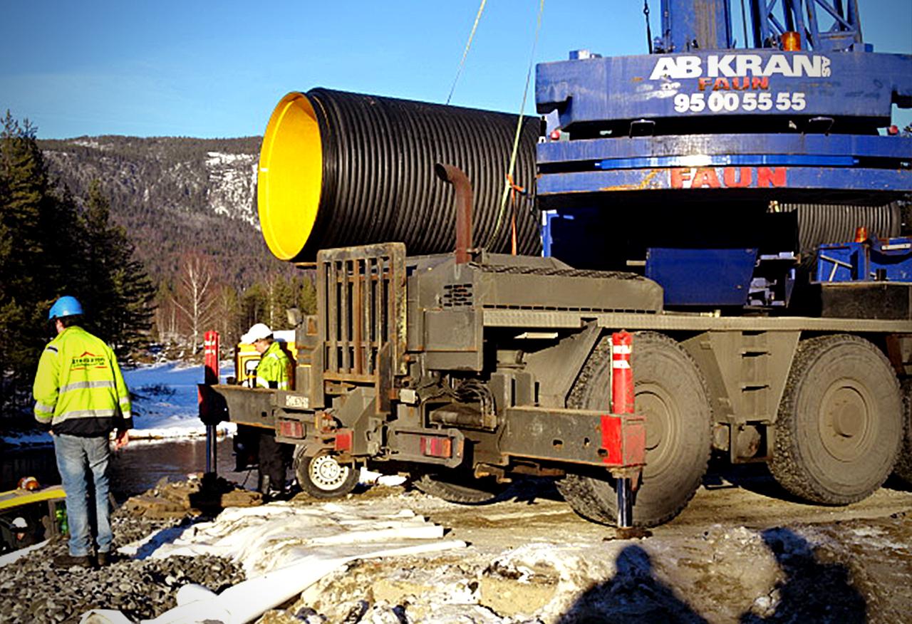 Kaczmarek Malewo - Projekt w Szwecji instalacja zbiorników Diamir na trudnym terenie